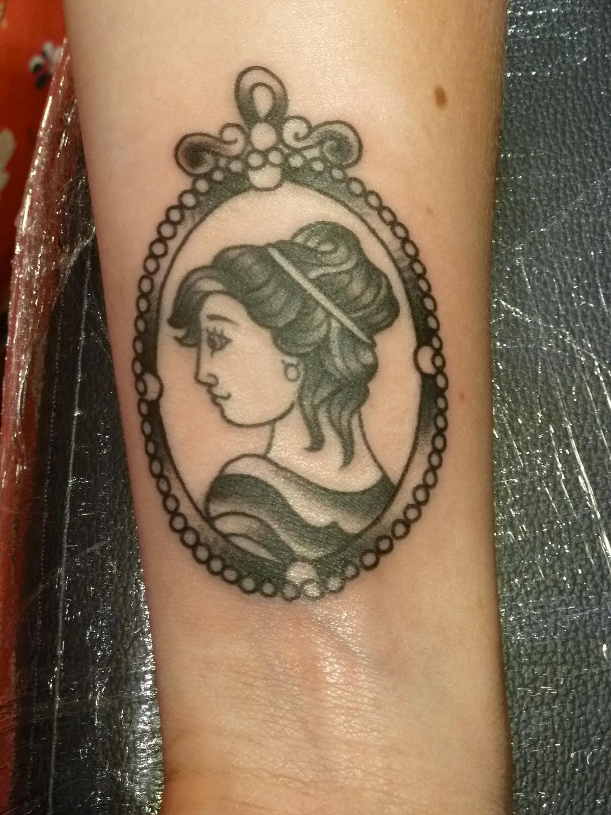 带底纹的纹身