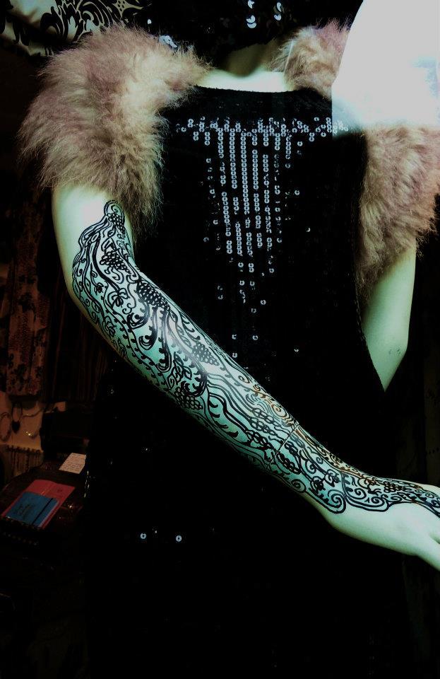 纹身的模特